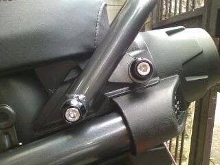 グラブバー M8フジツボ M8'4050mmボルト左右装着.JPG